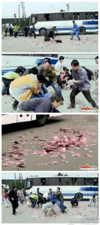 近日,一骑摩托车男子在北京一中石油加油站旁发生车祸,其背包中装着大把大把的百元大钞洒落一地,结果.......jpg